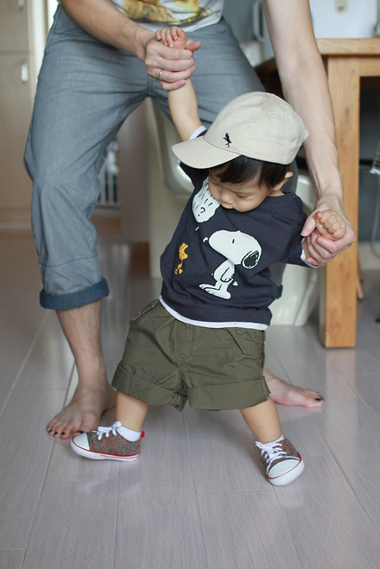 Baby M in H&M Snoopy Tee
