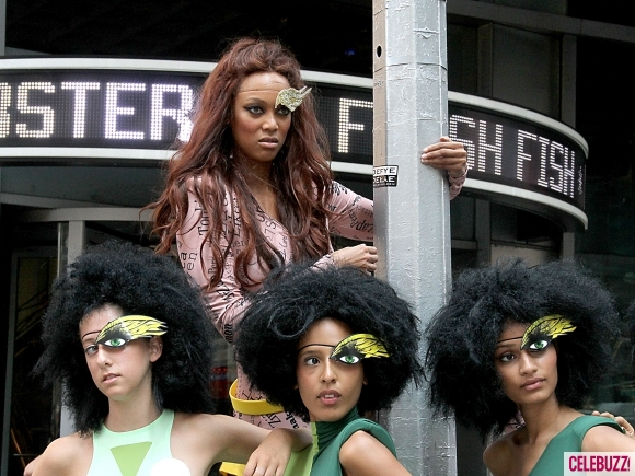 Tyra-Banks-ANTM-NYC-072011-2-580x435