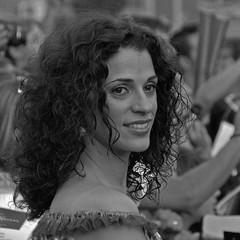 "Estreno ""GREEN LANTERN"" - SERIE ""Ruth Gabriel"" (Cazador de imgenes) Tags: madrid street summer espaa woman green gabriel girl female donna mujer spain chica candid centro streetphotography cine verano streetphoto lantern ruth premier espagne spanien spagna spanje ragazza callao spania  estreno actriz spange"