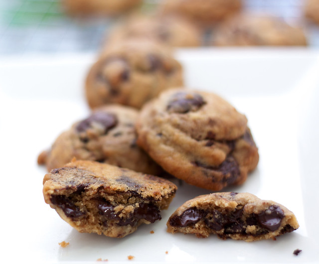 chunky chocolate chips cookies1