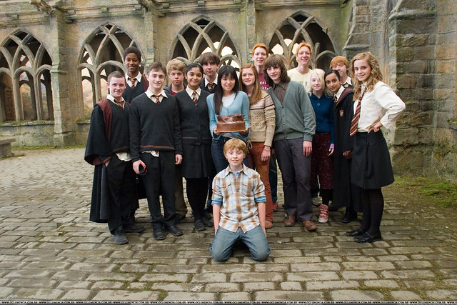 Harry-Potter-and-the-Order-of-the-Phoenix-On-Set-emma-watson-7501190-2100-1400