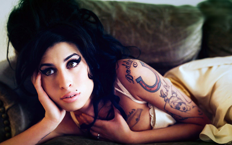 Amy_Winehouse_Widescreen_211200834740Pm911