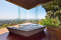 Sheats / Goldstein Residence (Chimay Bleue) Tags: california city house home window glass pool wall architecture modern century john concrete la los big bed triangle underwater view angeles contemporary curtain lounge drinking modernism diamond southern sofa architect organic shape lebowski atomic modernist beton brutalist skylights midcentury postwar brut lautner goldstein sheats
