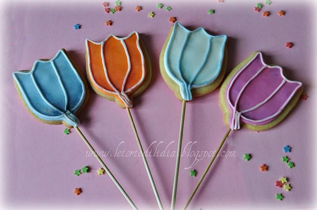 Biscotti decorati sullo stecco: Tulipani
