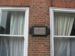 Photo of George Gordon Byron grey plaque