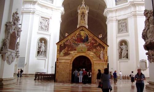 La Porciuncula dentro de la Basílica