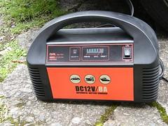 自動バッテリー充電器