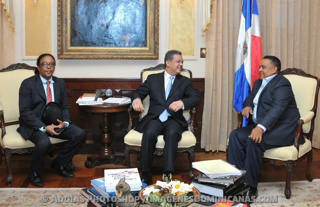 Peña Suazo y Sergio Vargas con Leonel