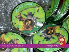 Latinhas tema Madagascar, para o aniversário de 1 ano do Arthur =D (Own Studio Criativo) Tags: aniversário madagascar lembrancinha latinhasminttobe