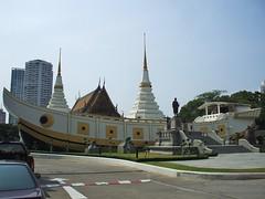 Bangkok, Wat Yannawa (Stewie1980) Tags: temple ship bangkok monastery finepix fujifilm wat chedi a700    hailand yannawa fujifilmfinepixa700