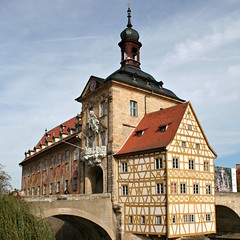 Bamberg - Das alte Rathaus - Quadratisch (Andreas Helke) Tags: 2005 city building architecture canon germany square bayern deutschland europa europe y bamberg architektur fav dslr franken canoneos350d gebude picnik twa gemany canon1855 quadrat mypopularphotos inthecity fav1 fav3 candreashelke worldsfavorite img0031 explorepotential donothide lc10 popularold 2011upload