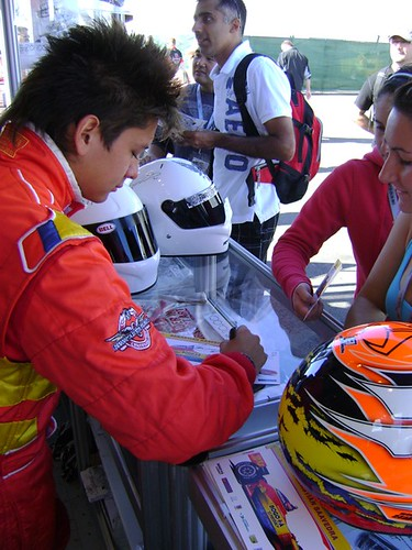 Sebastien Saavedra signing autographs at the ArtRotondo.com stand
