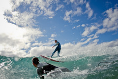 snappers (SARA LEE) Tags: blue sky sport rocks call surf close action surfer australia surfing qld queensland surfers snapper snappers wetsuit shortboard coolangatta goldcoast snapperrocks waterhousing sarahlee kobetich surfhousing vivantvie