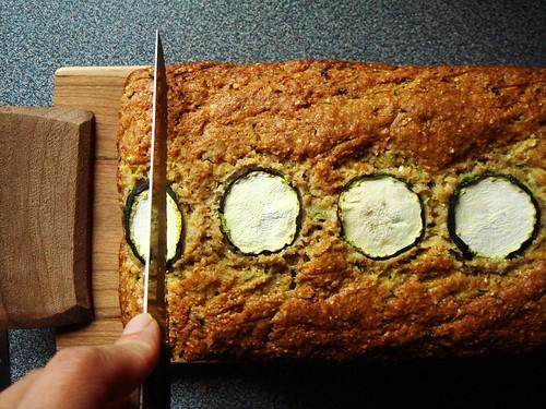 Zucchini Cornbread: Slicing