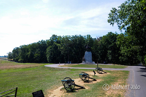 Battlefield and canon at Gettysburg