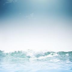 Con vistas al mar (Luis Hernandez - D2k6.es) Tags: barcelona light sea summer sky hot luz sol water canon mar al agua waves underwater cielo nubes vistas olas con calor s90 mojado gettyiberiasummer