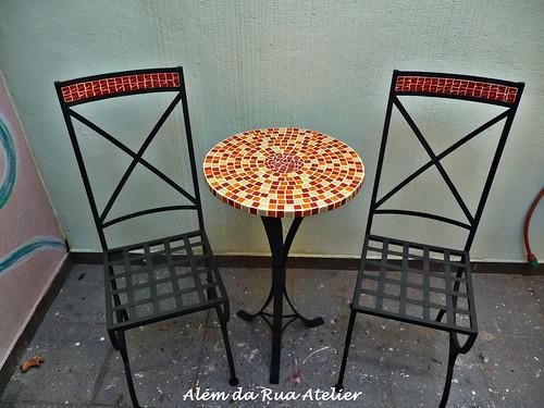 Mesa e Cadeiras em Mosaico