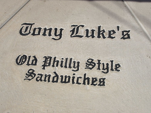 Tony Luke's on the sidewalk