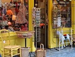 J'aime bien faire du lèche-vitrine à Honfleur! I enjoy window-shopping in Honfleur! (Michele*mp) Tags: france yellow jaune geotagged europe gifts normandie shopwindow honfleur normandy calvados vitrine 2010 cadeaux bassenormandie colourartaward michelemp newgoldenseal normandie2010 geo:lat=4942154912645577 geo:lon=02332184220902036