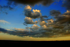 Nuvens lobunas... (Eduardo Amorim) Tags: sunset brazil sun sol southamerica field brasil atardecer soleil tramonto sonnenuntergang prdosol campo pelotas sole sonne riograndedosul poniente champ anoitecer coucherdesoleil brsil entardecer crepsculo amricadosul poente amriquedusud sudamrica suramrica amricadelsur sdamerika costadoce americadelsud americameridionale auffangen eduardoamorim iayayam yamaiay