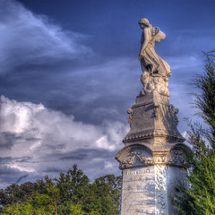 Oakland Cemetery: Bulter Memorial (StGrundy) Tags: city atlanta friedhof cemetery graveyard architecture angel georgia nikon memorial cementerio historic southern butler cemitrio hdr cimetire oaklandcemetery fultoncounty 3xp nationalregisterofhistoricplaces photomatix cimiteri tonemapped d80 backyardshots stgrundy