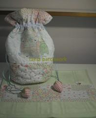 Saquinho necessaire Baby (tania patchwork) Tags: infantil bebê patchwork saquinho necessaire toalhinha