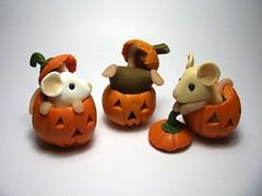 Pumpkin Mice (Quernus Crafts) Tags: halloween mouse pumpkins mice polymerclayquernuscraftscute