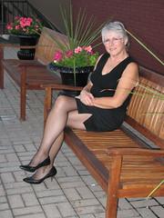 IMG_2525 (stratfordgeorge) Tags: sexy pumps wife heels fishnets frau pantyhose beine strumpfhose kleid hbsch