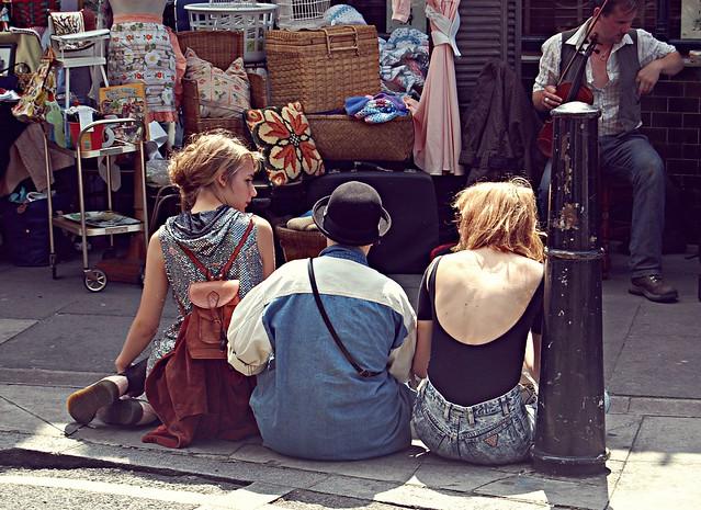 3 girls sitting