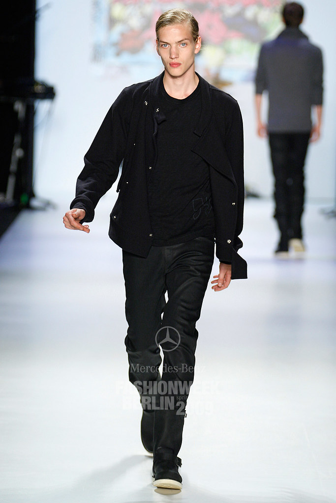 SS09 Mercedes-Benz Fashion Week Berlin_QED018_Paul Boche