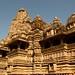 Templos riquissimos em detalhes e esculturas