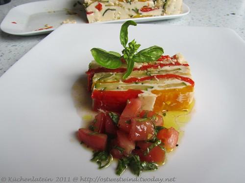 Weißes Gemüsegelee mit Basilikumvinaigrette 002