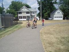 P7110036 (GO-by-Bike) Tags: cycling bikes transit greenbelt wellandcanal goldenhorseshoe coachcanada