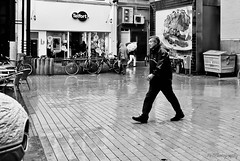 Not titled (frata60) Tags: bw nikon sigma zomer d200 groningen 18200 regen grotemarkt zw