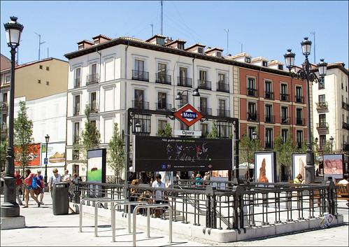 en la plaza de Ópera de Madrid