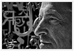 Alphabet Man (Peter.Bartlett) Tags: portrait blackandwhite monochrome mono blackwhite sony alpha 700 ysp yorkshiresculpturepark folksinger sonyalpha alpha700 sonyalpha700 niksilverefex bramtaylor