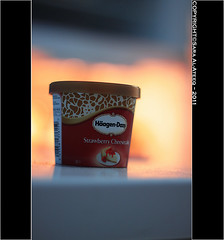 Ice Cream (Sara Al-Ateeq) Tags: ice cup 50mm cream 50 haagen   500d dazs 2011