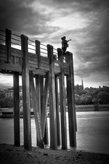 Couple on London Pier.jpg (Darren Pettit) Tags: summer sky people bw panorama west london water silhouette thames 35mm canon river pier blackwhite central southbank end titanic westend hdr centrallondon