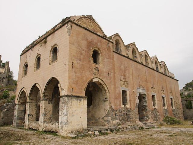 希臘村落廢墟的Hing Church