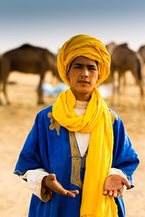 The Saharawi (Beum Gallery) Tags: voyage africa portrait travelling sahara sand desert dunes dune sable riding camel morocco journey maroc maghreb nomad camels afrique dsert merzouga nomade saharawi localpeople dromadaire chameau ergchebbi chameaux dromadaires  saharaoui     nomadpeople