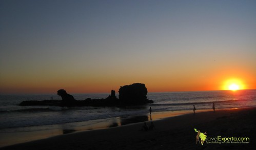 playa-tunco-volcanic-beach-el-salvador-sunset-2