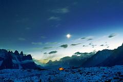 A NIGHT AT MOUNTAINS (TARIQ HAMEED SULEMANI) Tags: autumn pakistan mountains tourism nature trekking hiking concordia k2 tariq campsite newvision skardu astore concordians sulemani peregrino27newvision