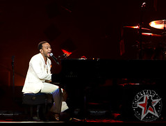 John Legend - The Palace of Auburn Hills - Auburn Hills, MI - August 3, 2011 (12)
