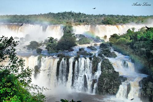 Cataratas do iguaçu-Iguaçu Falls. em HDR.