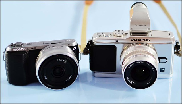 Sony NEX-C3 16mm f/2.8 Olympus E-P3 12mm f/2