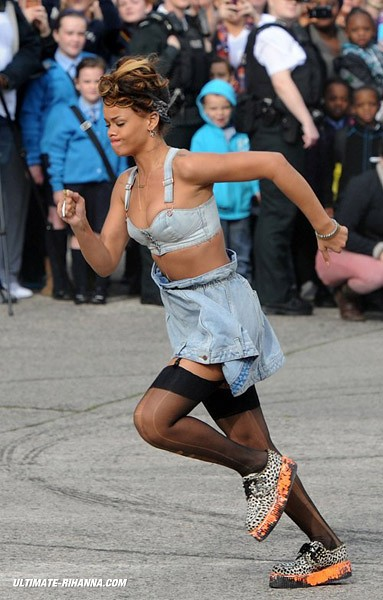 rihanna-wfl-day-2-4
