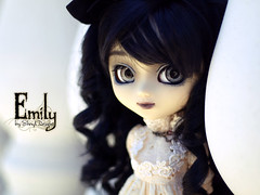 Emily_Sesion05_02 (Sheryl Designs) Tags: new black color eye face japan hair design carved outfit emily eyes doll acrylic dolls eyelashes dress body forum gothic foro lips chips lolita wig chip modified designs groove pullip 16 custom chill pullips eyebrows bodies mechanism sheryl sculpt junplanning eyemech obisu sheryldesigns pullipes forodepullips