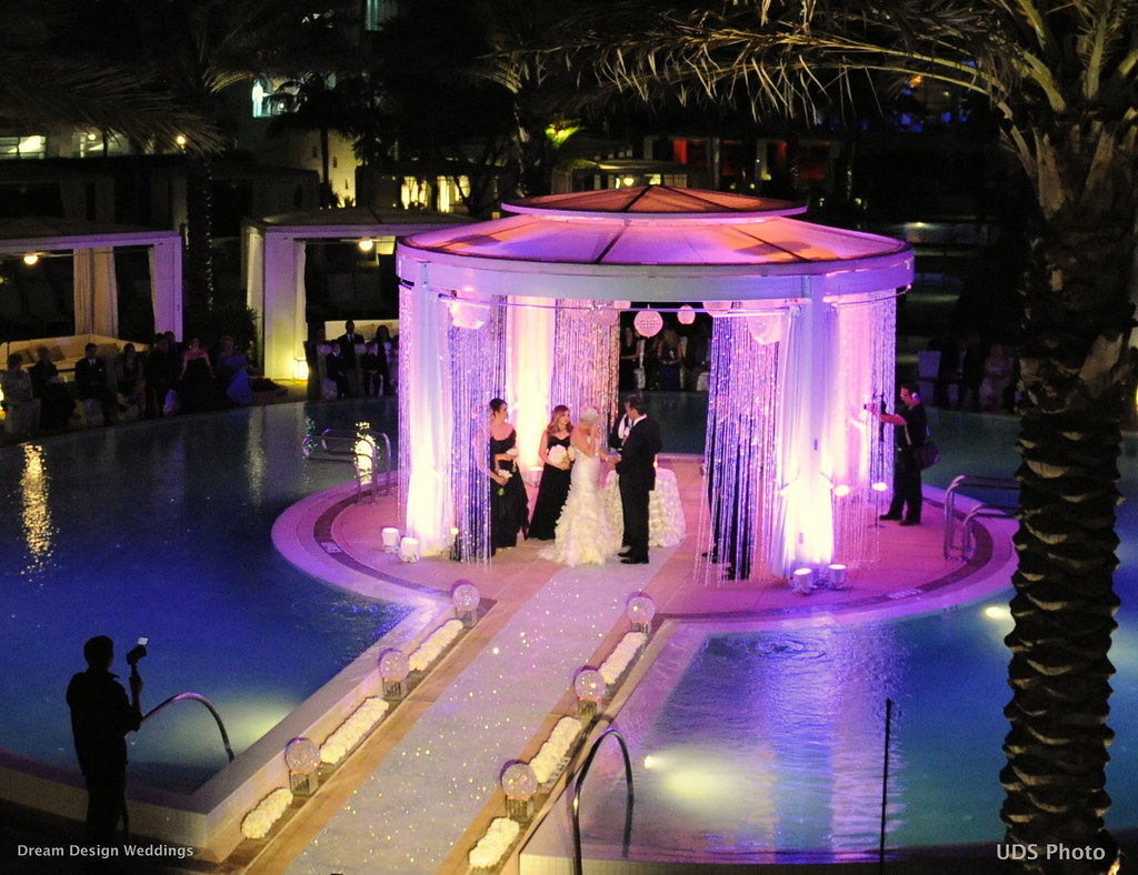 Beach weddings decor beach weddings beach wedding decoration platinum weddings planner tiffany nieves weds john a cook at fontainebleau miami junglespirit Image collections