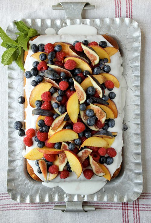 vanilla-cake-with-fruit-11