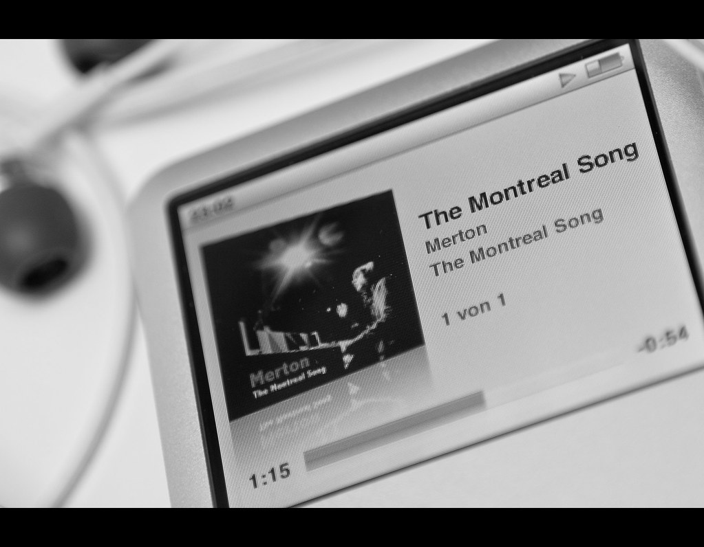 Project 365, 343/365, Day 343, Strobist, bokeh, the montreal Song, Merton, piano,